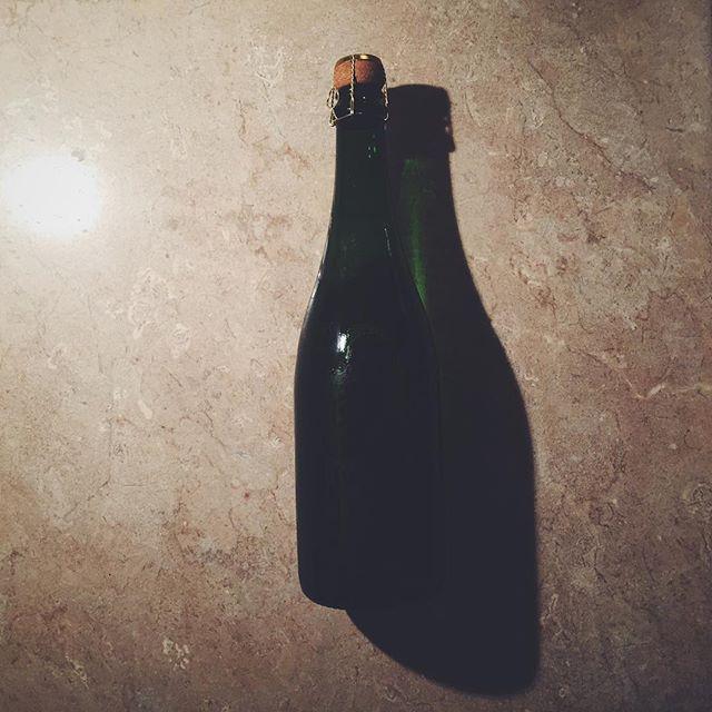 (Ex) Project samples now being enjoyed. Looking forward to publishing this — #brittish #brittishsparkingwine #madeinengland #madeinbritain #wine #sparklingwine #sparkling #graphicdesign #artdirector #design