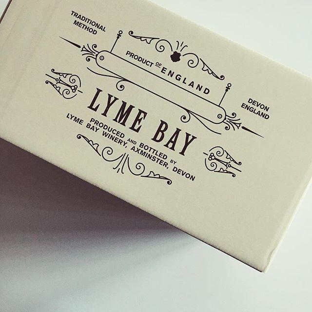 New Work — @lymebaywinery Lyme Bay English Sparkling Wine — 6 bottle Cases #englishsparklingwine #box #packaging #packagingdesign #graphicdesign #design #wine #winecase #wines #englishwine #vintage #designagency #madeinengland